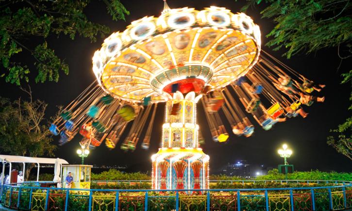 VinWonders Nha Trang – Thiên đường Giáng Sinh (Christmas Tree Lighting)